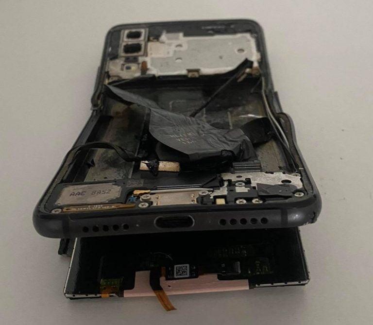 jak odzyskać dane ze złamanego telefonu