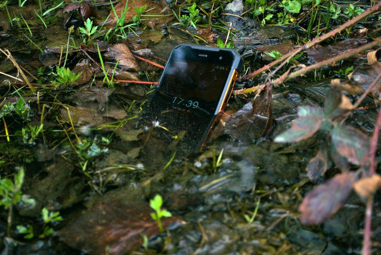 Kiedy telefon zostanie zalany, odzyskiwanie danych prędzej czy później okazuje się konieczne